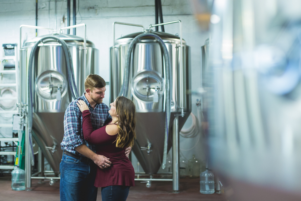 engagement-session-at-a-brewery