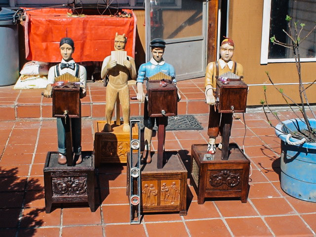 Musical Characters Walkers Sawmill Wood Carving 5.jpg