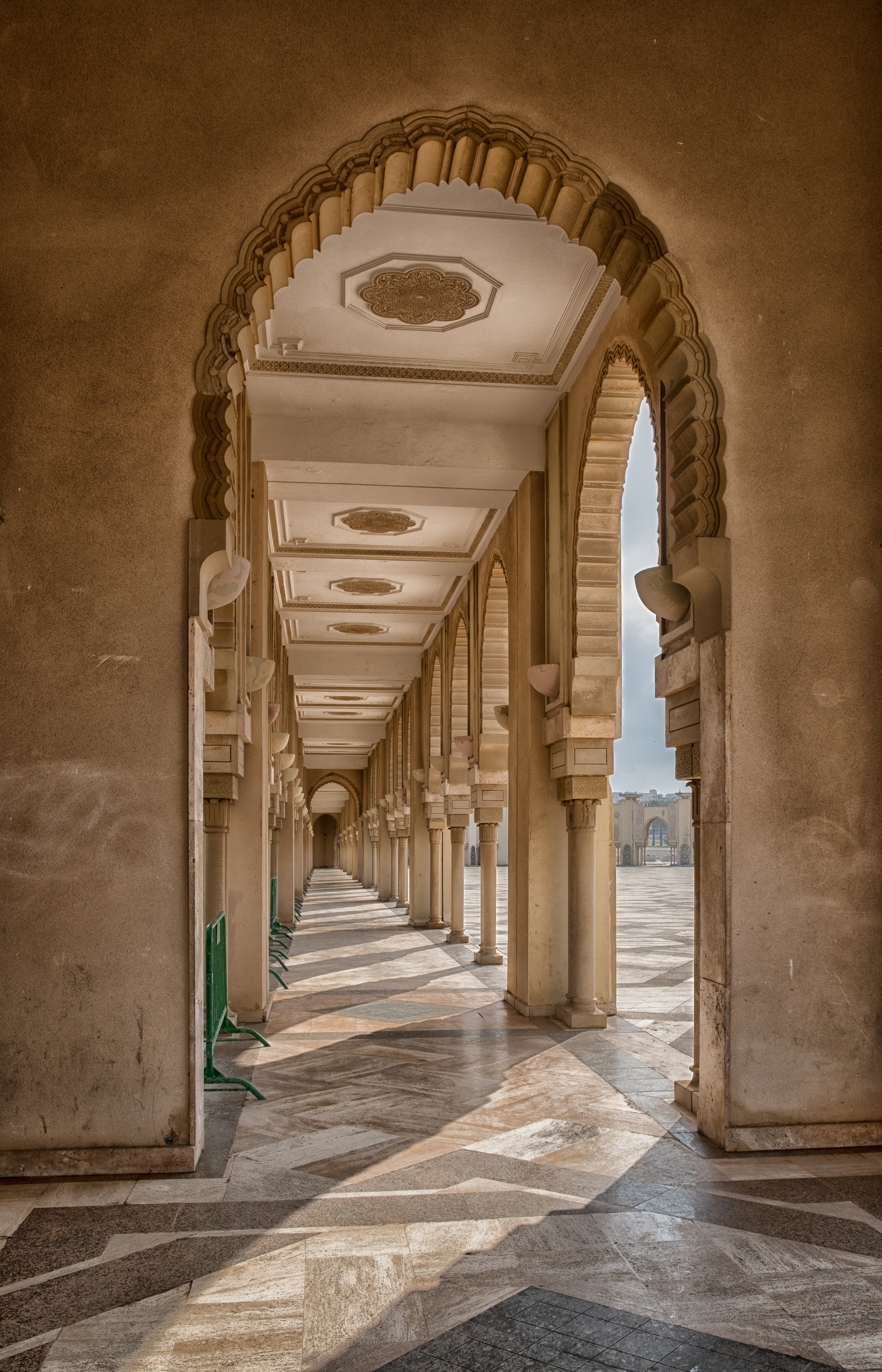 hassan mosque  arch 2