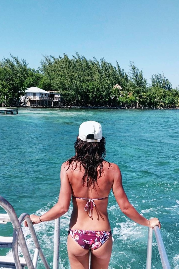 Reef Hopping Tour - See three different reefs with this full day tour. Start your journey at Silk Caye then head over and dive at Pompion. Afterwards, enjoy an hour or two with a BBQ lunch on Ranguana Caye before the last dive on the Ranguana Reef.