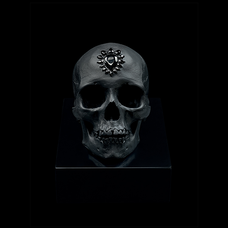 ETERNAL SLEEP Black Photo Prudence Cuming Associates Ltd © Damien Hirst, Science Ltd and Lalique, 2017