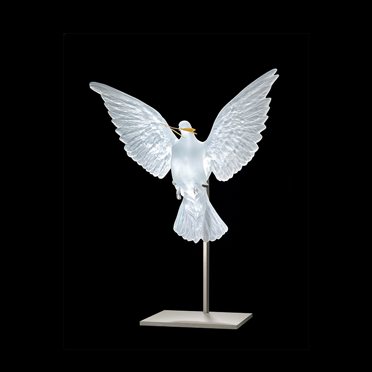 ETERNAL TRUTH Clear and Gold Photo François Fernandez © Damien Hirst, Science Ltd and Lalique, 2017