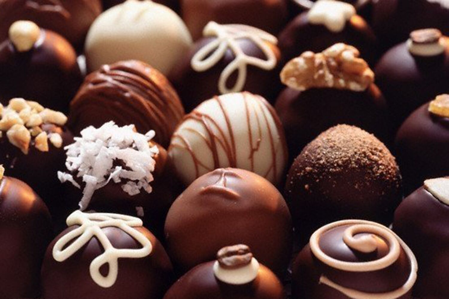 """Browse our online  Choc Store  for our mixed Chocolate Box selections of """"Belgium Style Chocolate"""" pralines and truffles. We'll deliver your favourite chocolate direct to your door."""
