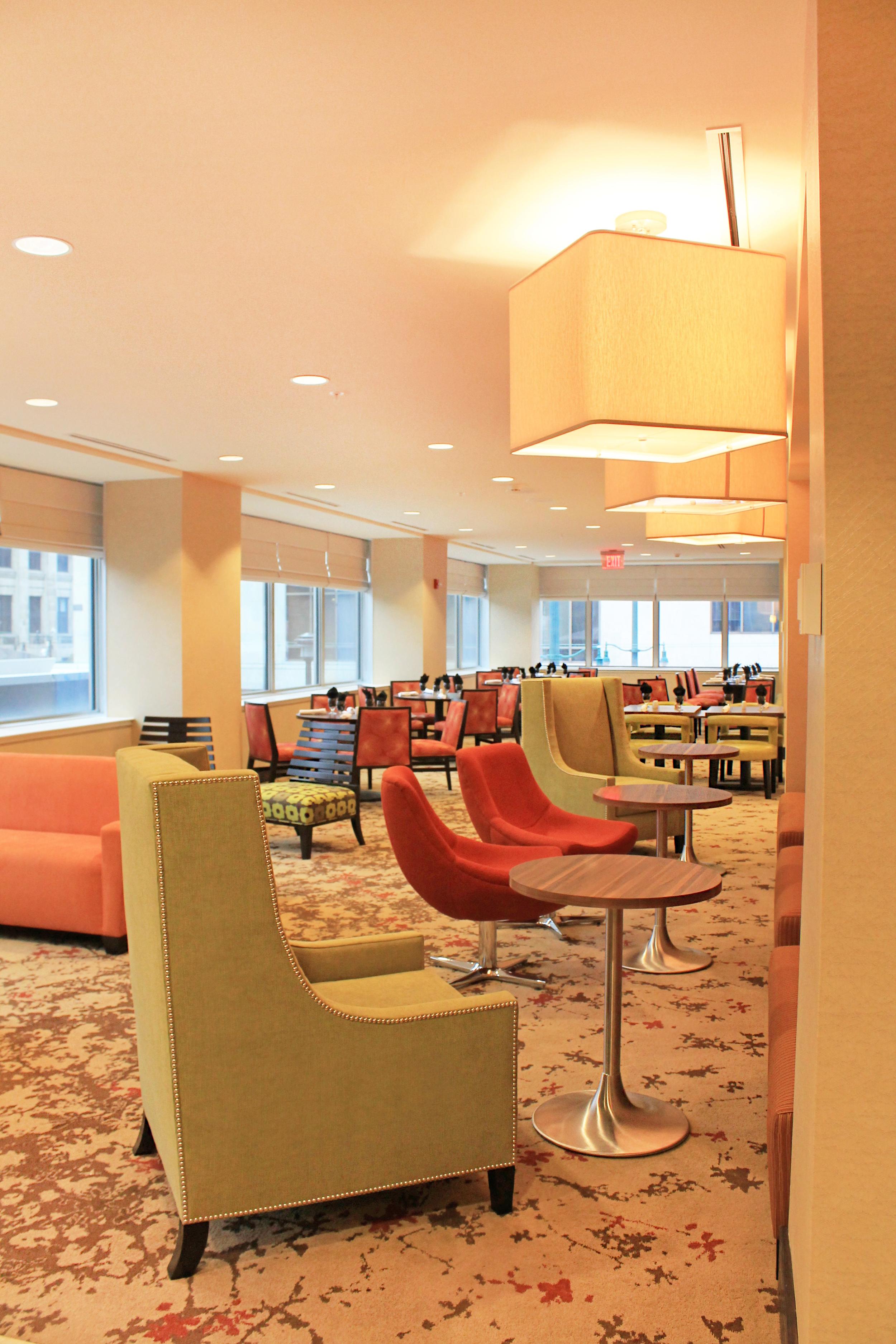 HiltonBar&Grille_Seating.jpg
