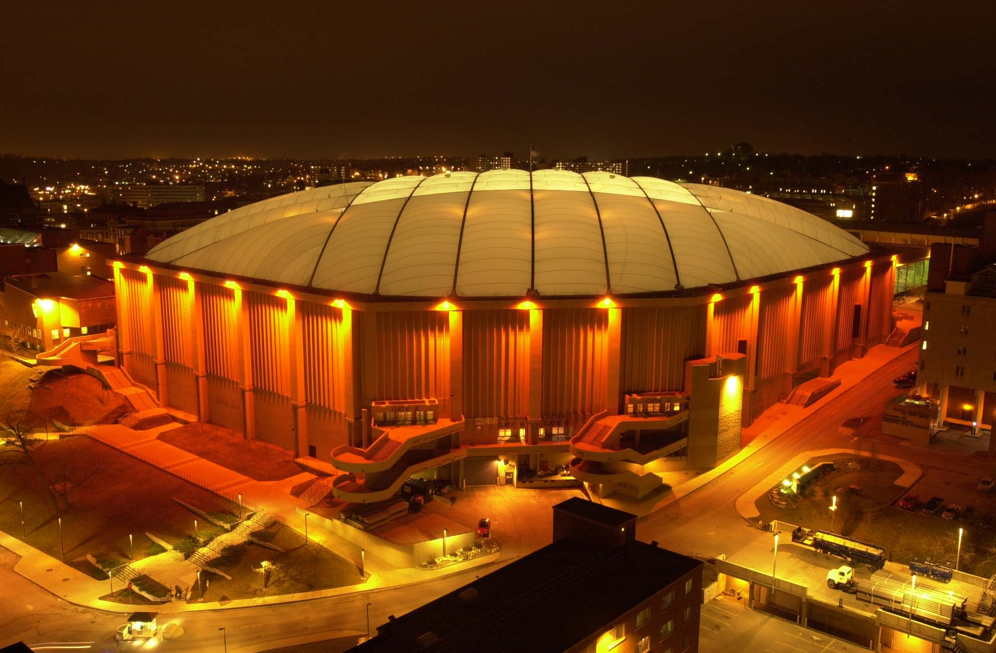 Syracuse housesthe Carrier Dome (also known as the Loud House); image courtesy of  Google