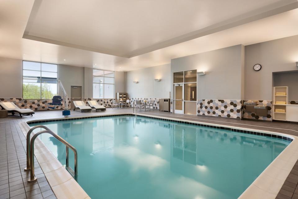Pool - 1281628.jpg