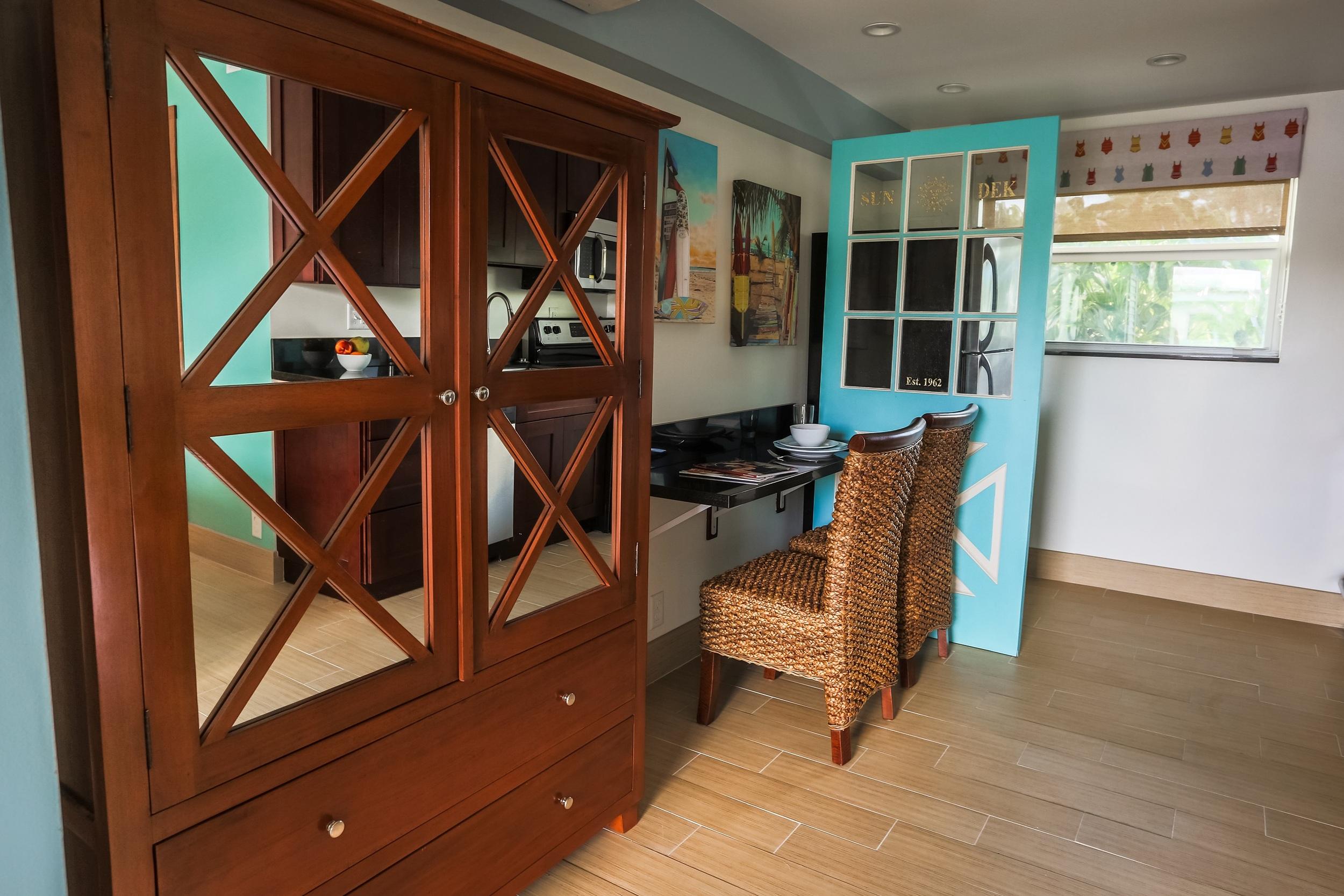 Studio Suite Vanity