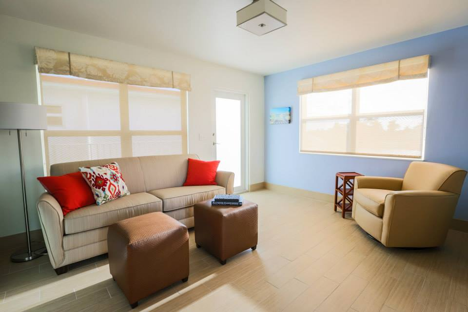 One-Bedroom Intracoastal View Living