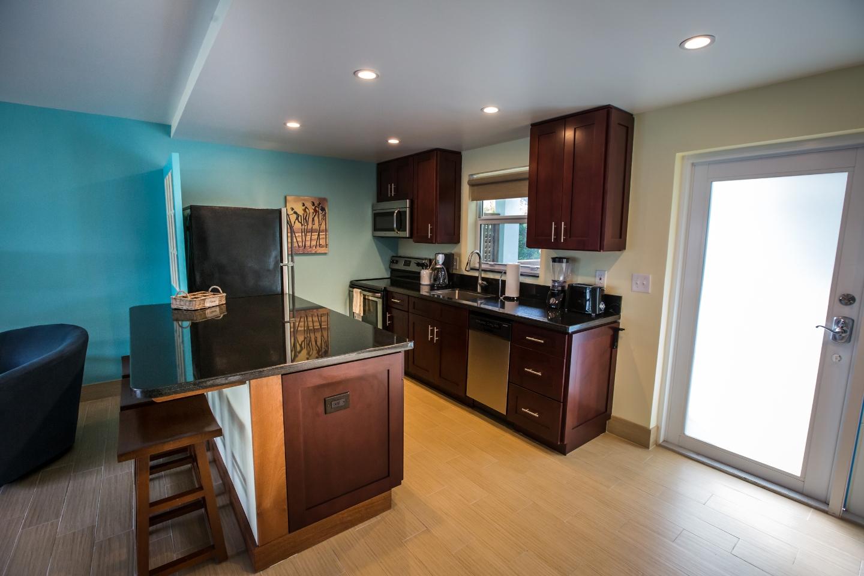 One-Bedroom Deluxe Suite Kitchen