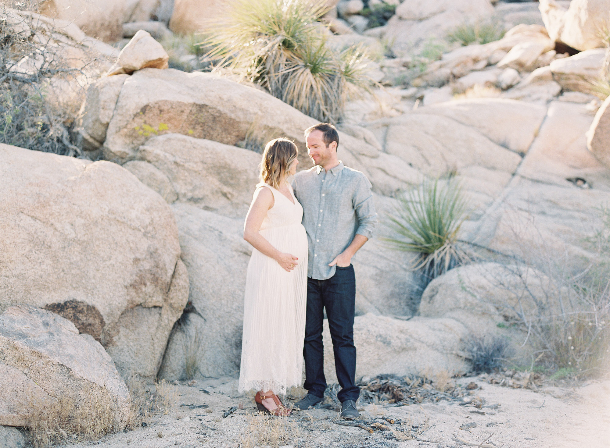 Joshua Tree Maternity Session Palm Springs-1-2.jpg