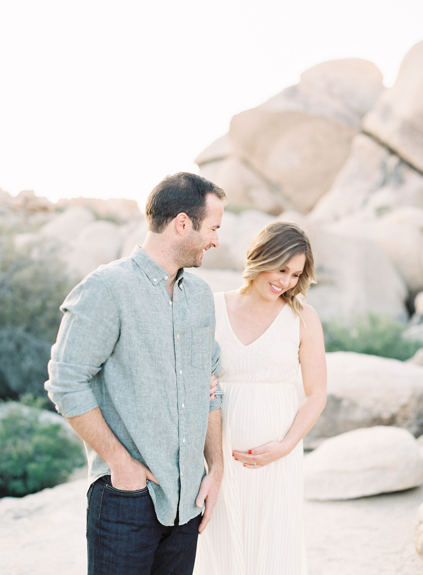 Joshua Tree Maternity Session Palm Springs-1-5.jpg