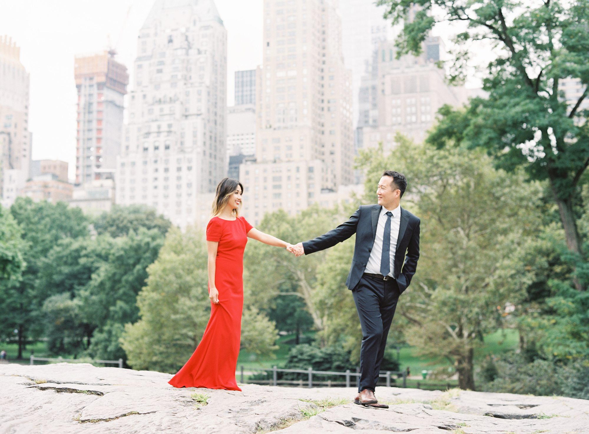 New-York-Film-Engagement-Session-Brooklyn-Bridge-Central-Park-27.jpg