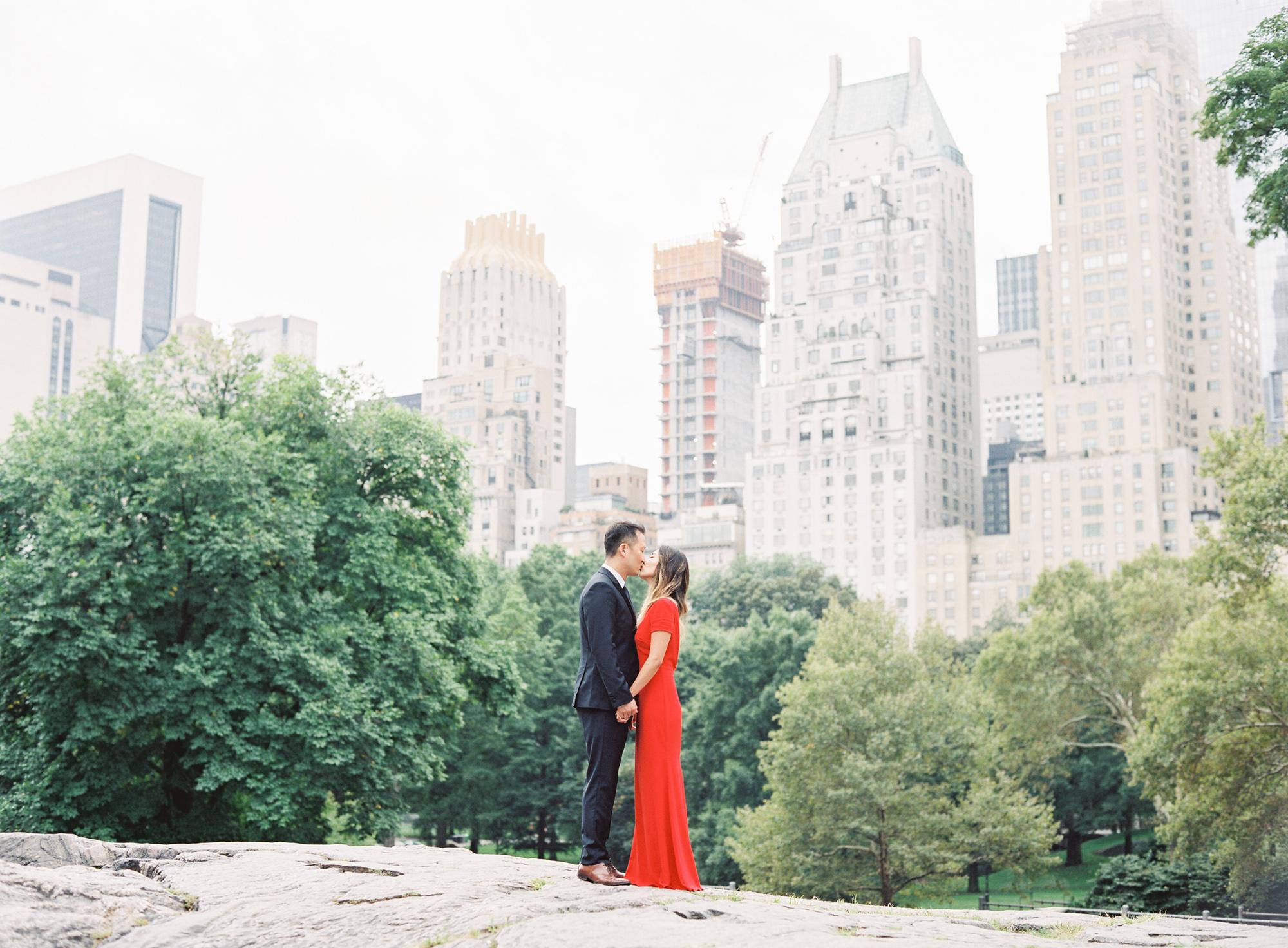 New-York-Film-Engagement-Session-Brooklyn-Bridge-Central-Park-28.jpg