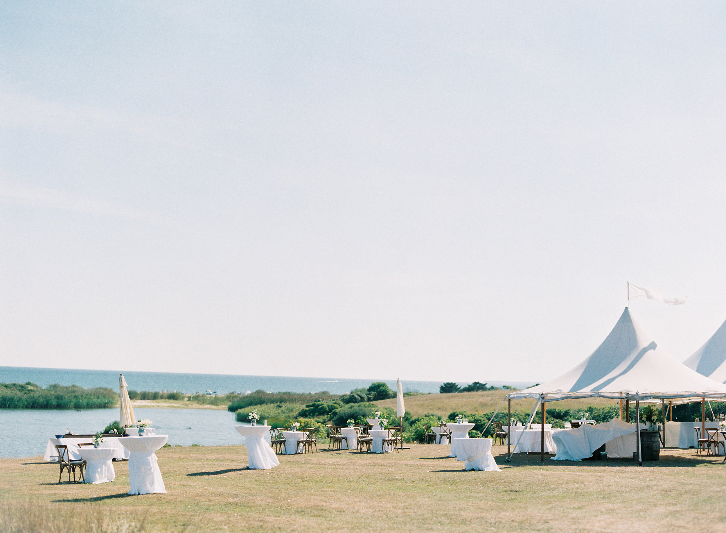 Marthas-Vineyard-Wedding-on-Martha-Stewart-470.jpg