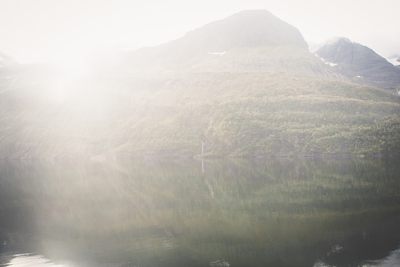 Magic mountainlight on our Arctic Circle roadtrip, Norway