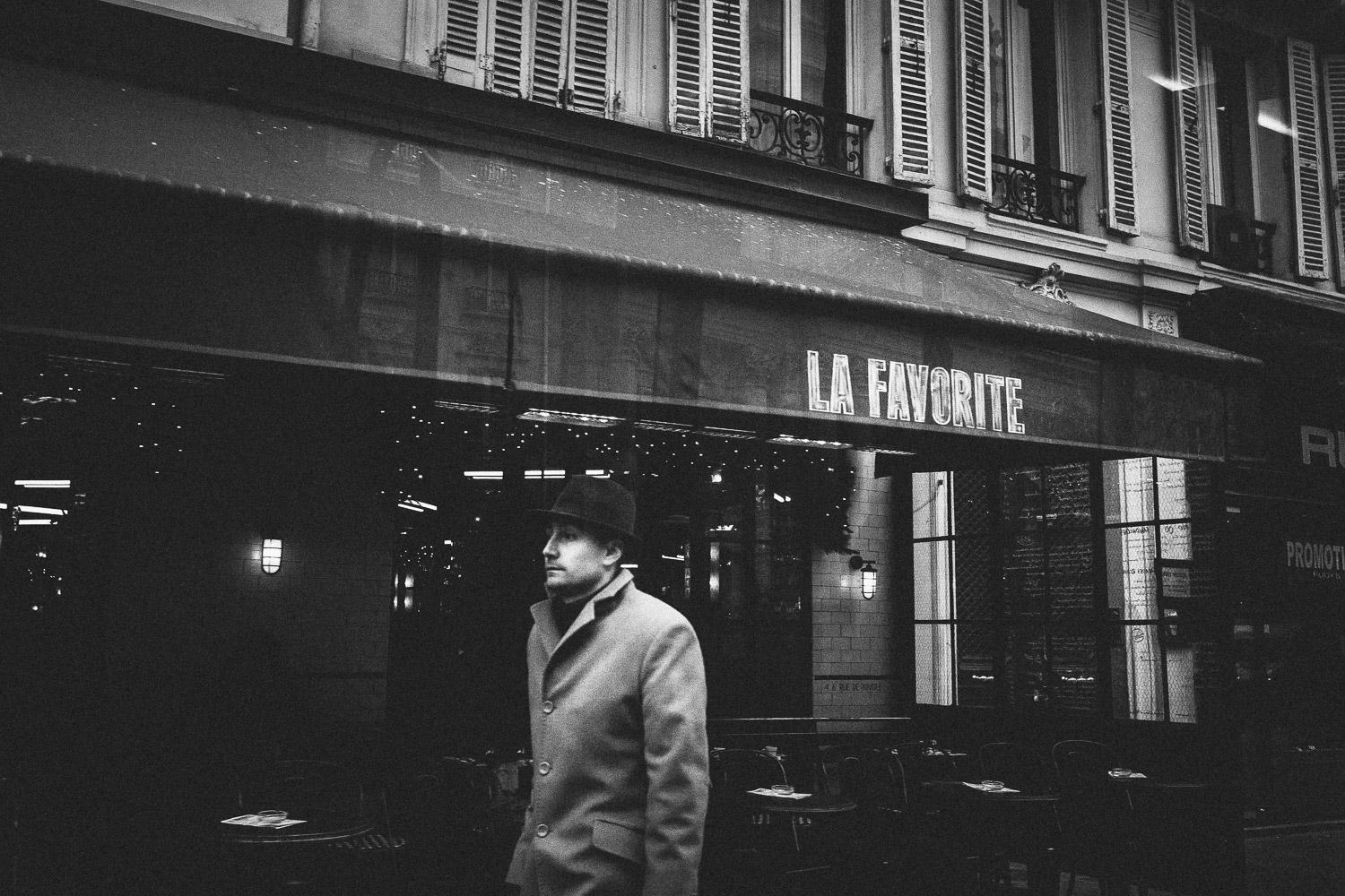 Cafe La Favorite, Paris, France. Intimate and timeless black & white images from the streets of a seducing city.