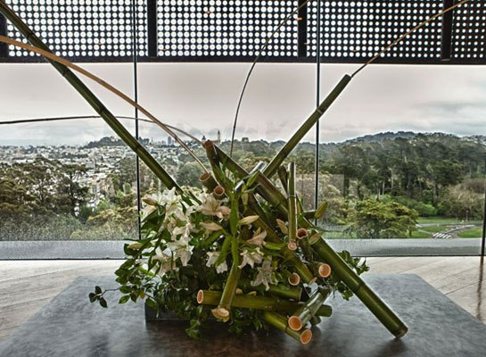 """""""Bouquets to Art"""" Opens at the de Young Museum    ARCHITECTURAL DIGEST 