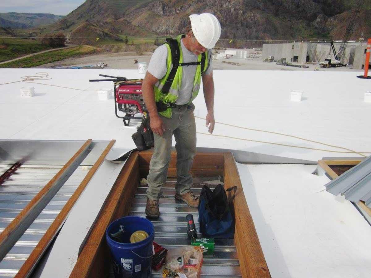 Chelan-Fruit-Rooftop-Building-Mechanical-Platform.jpg