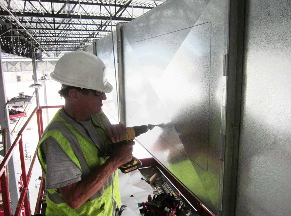 Ductwork-on-Lifts-2.jpg
