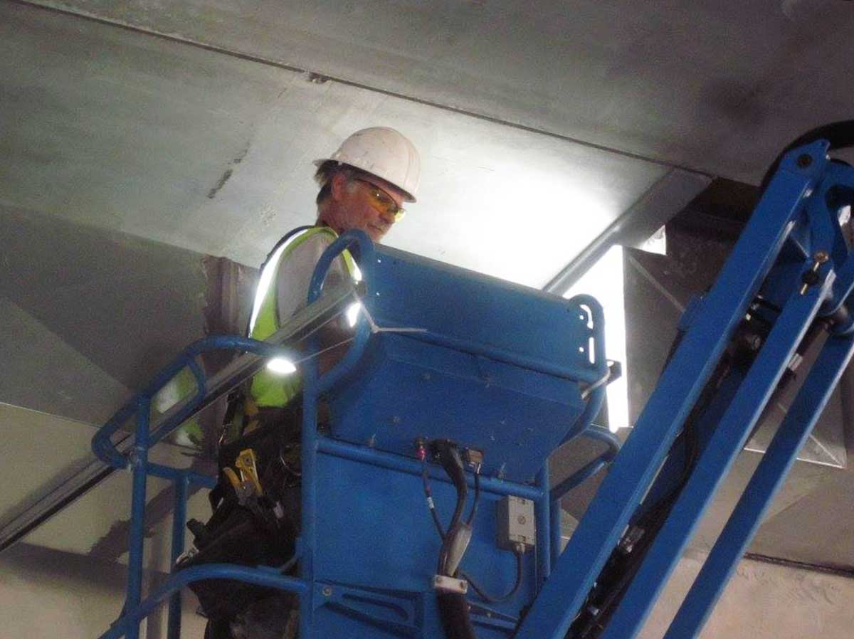 Ductwork-on-Lifts-4.jpg