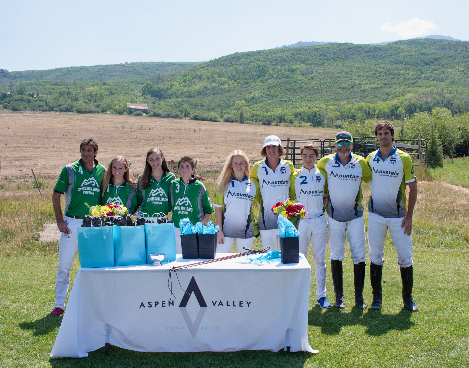 Runners-up Sopris Mountain Ranch and champions Mountain Chevrolet.