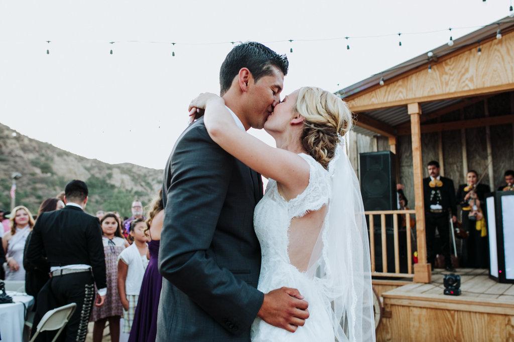 2016-09-24_lynzi&jesùs_married-46.jpg