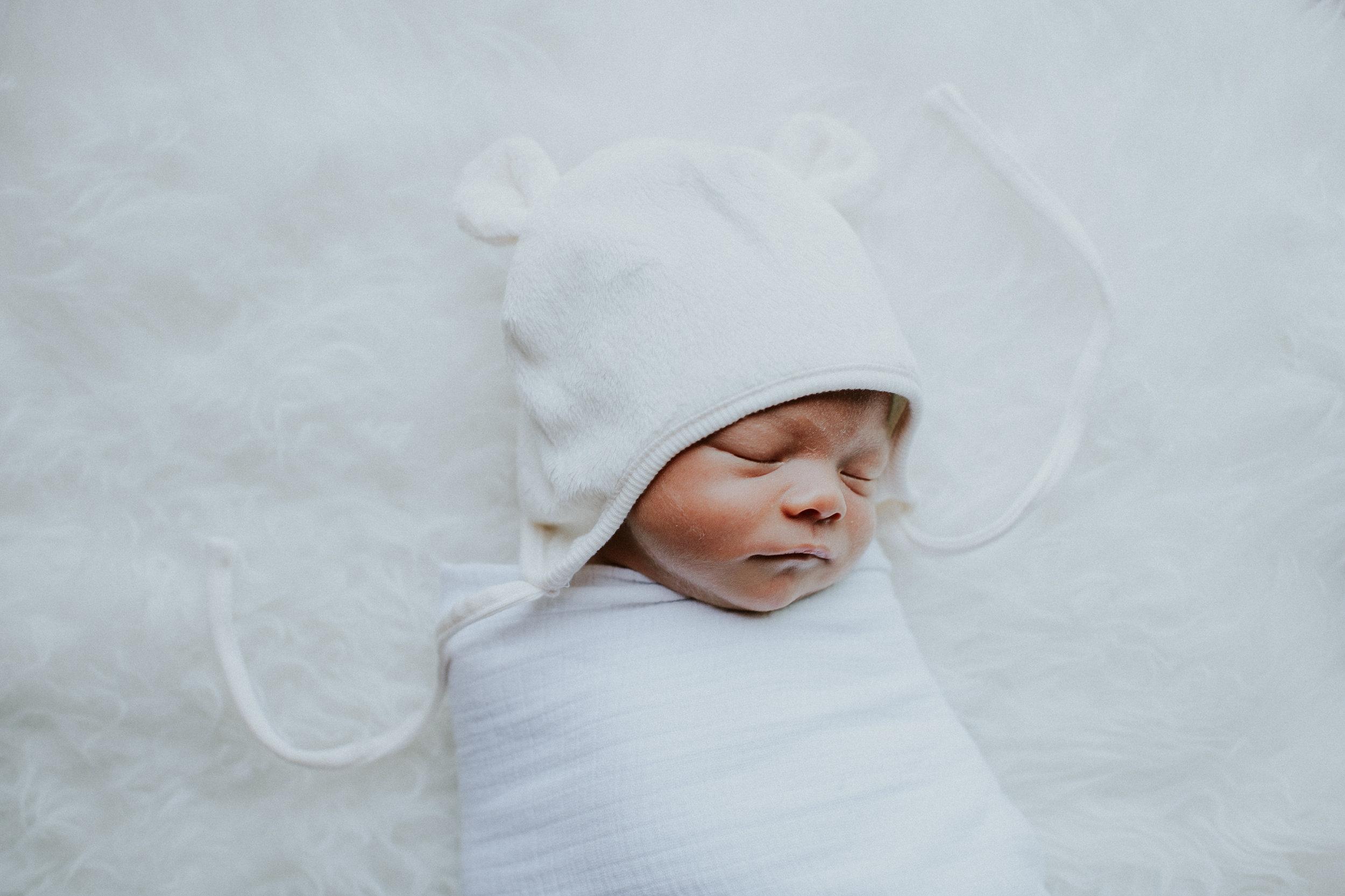 20160627-newborn-334.jpg