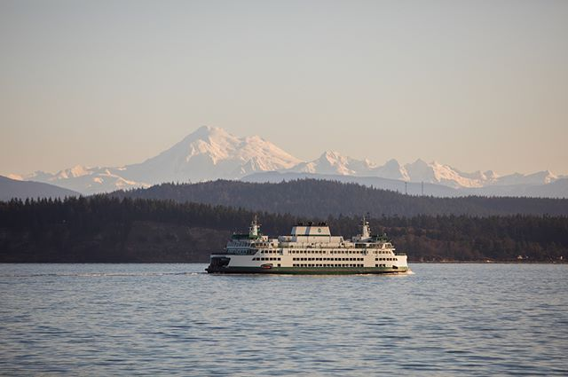 Nothing like ferry rides on the weekends! ---------------------------------------- #mtbaker #ferryboat #seattle #seattlephotographer #seattlelife #sunset #epic_captures #ig_shotz #canon_photos #canon_official #canon5dmarkiv #teamcanon #igers_seattle #pnw #pacificnorthwest #pnwcollective #pnwonderland #landscape #beautiful #nofilter #mountains #seattlepulse #visitseattle #canonfanphoto #westcoast_exposures  #sanjuanislands #seattlepipeline
