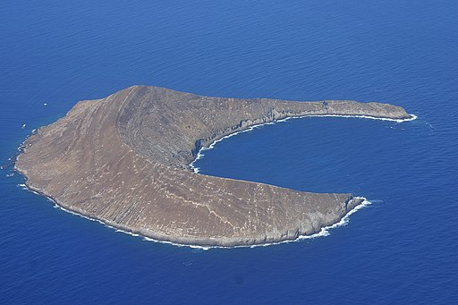 Lehua Island, which lies 0.7 miles north of Niihau . Photo:  Polihale via Wikimedia Commons