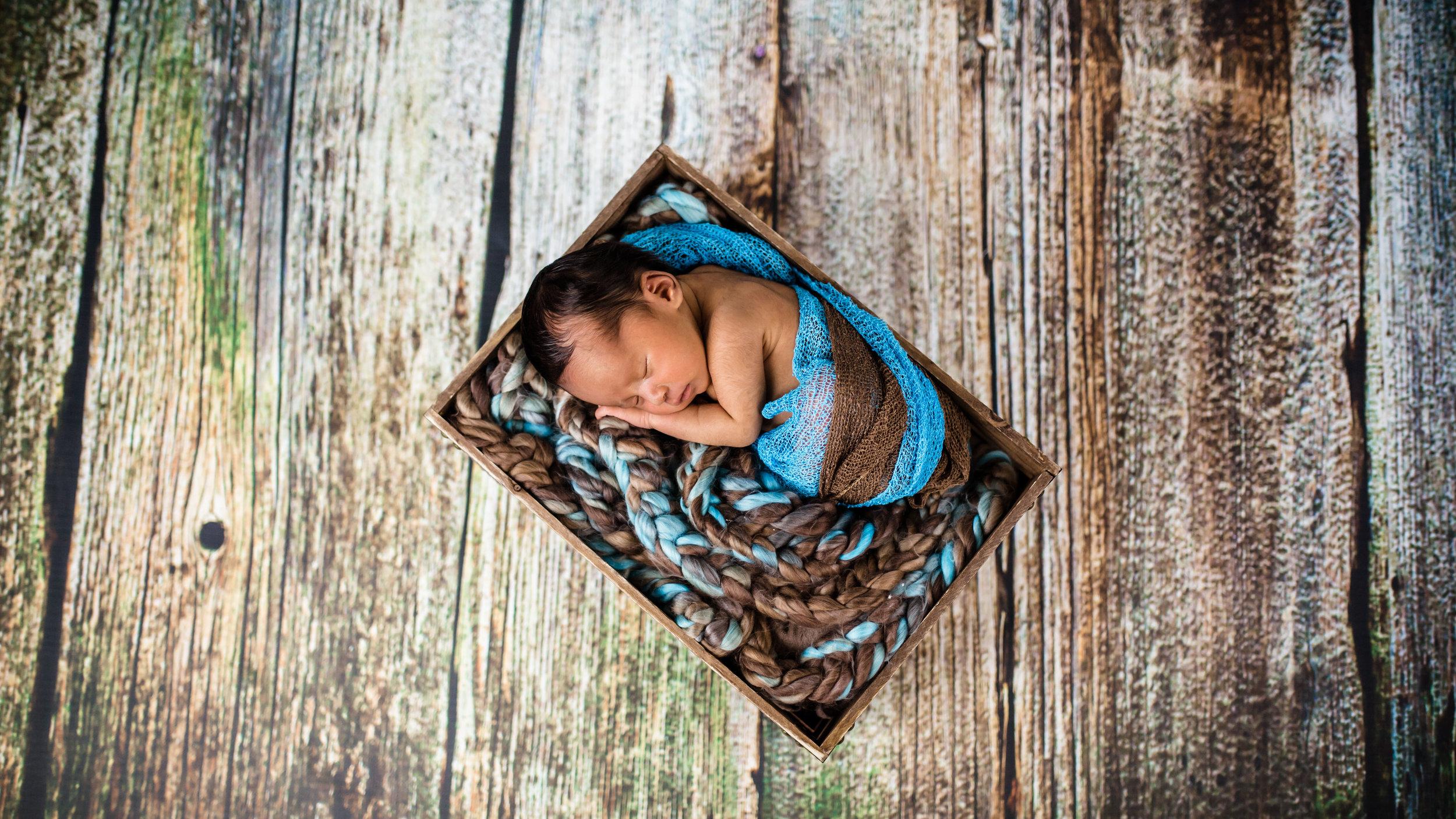 Logan Utah Newborn Photographer-0806.jpg