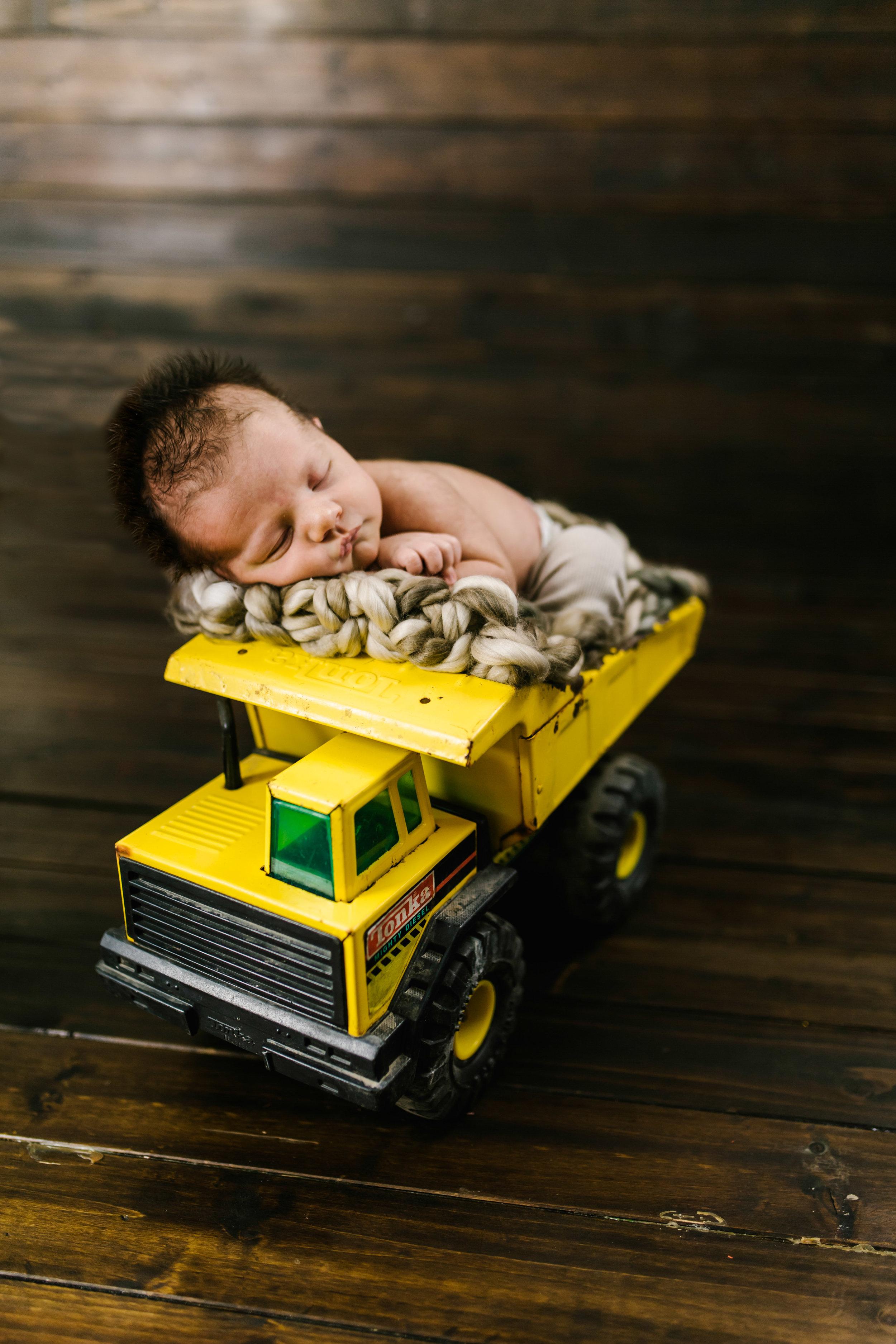 Logan Utah Newborn Photographer-3818.jpg