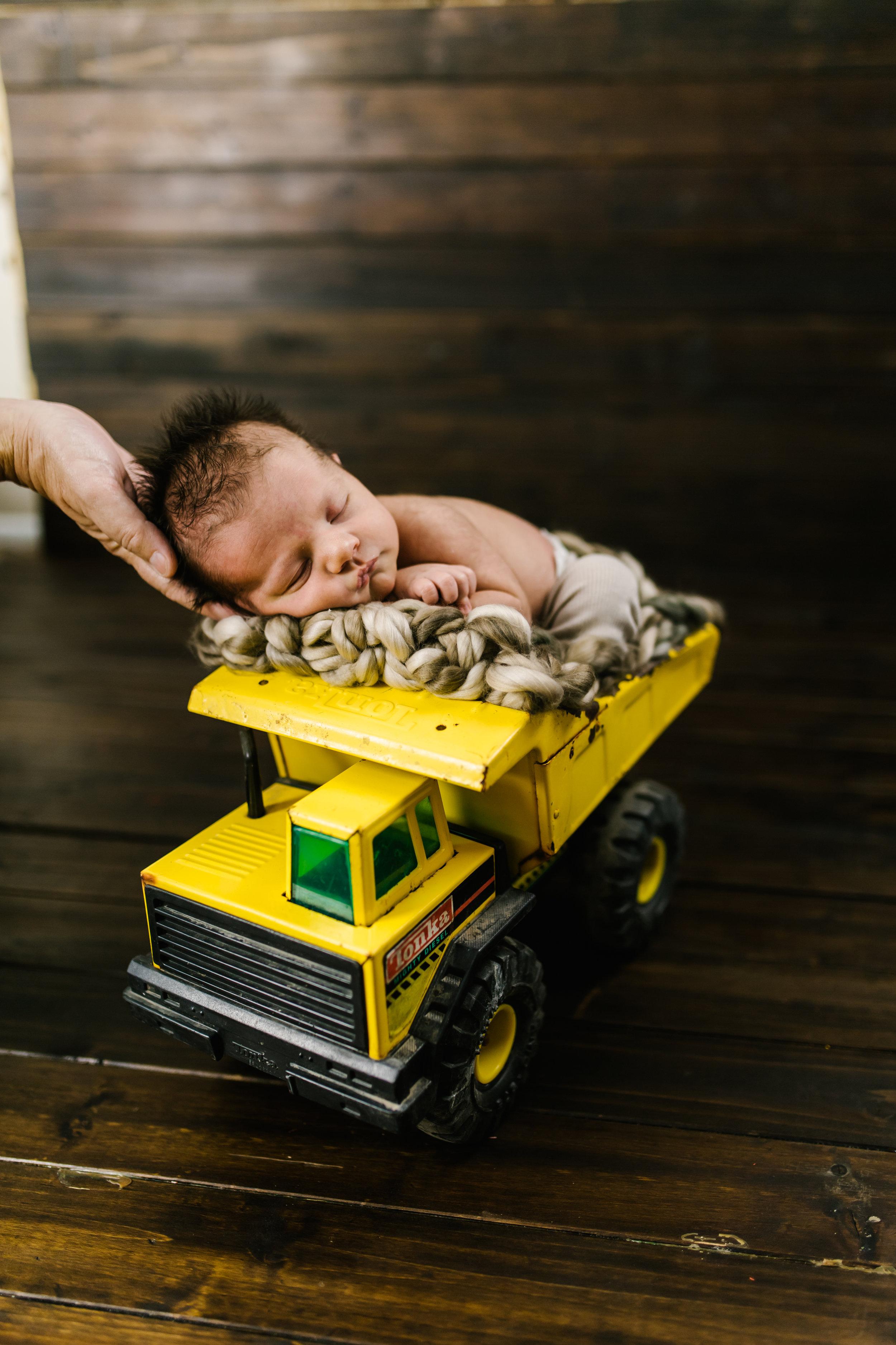 Logan Utah Newborn Photographer-3817.jpg