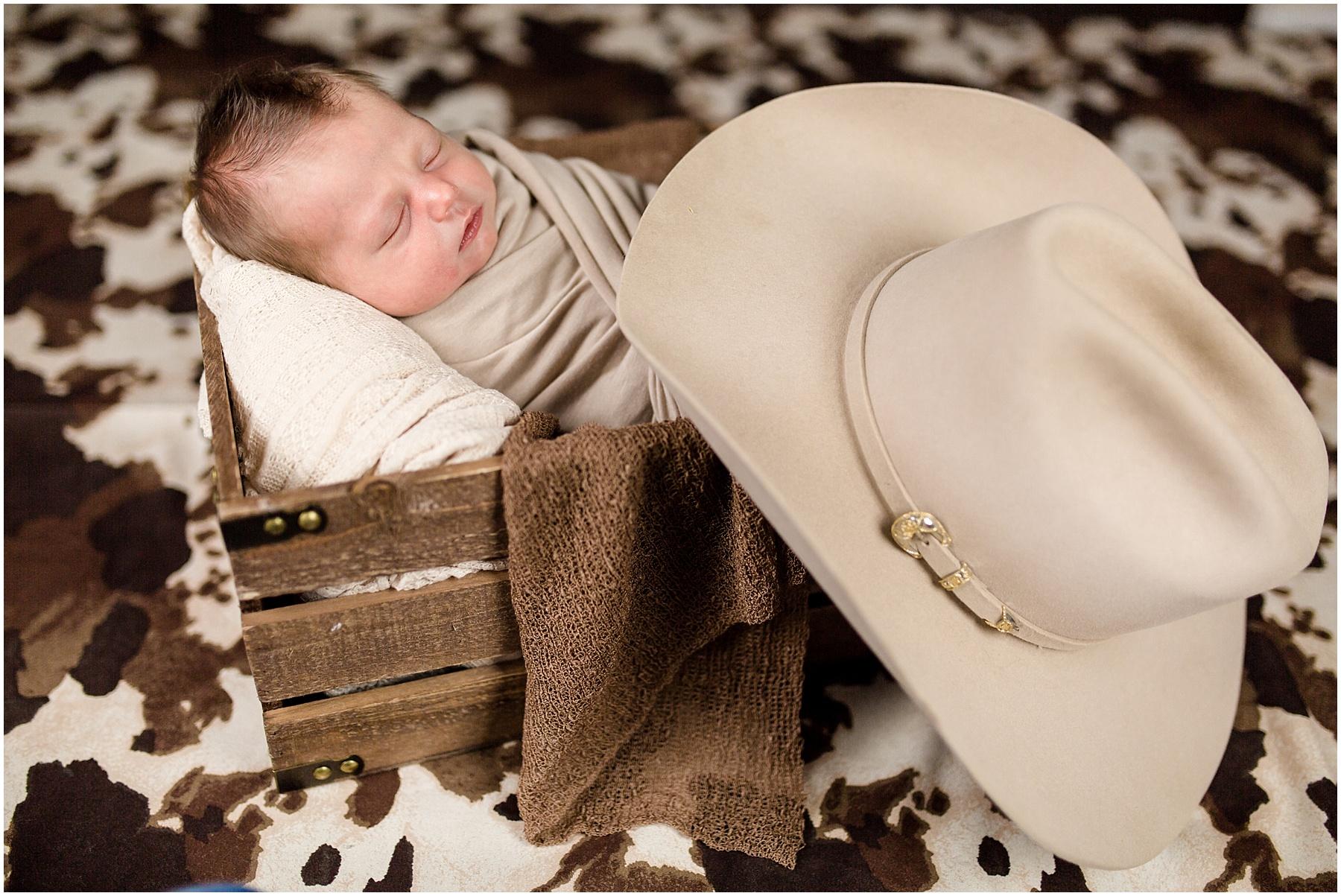Logan-Newborn-Photographer_1301.jpg