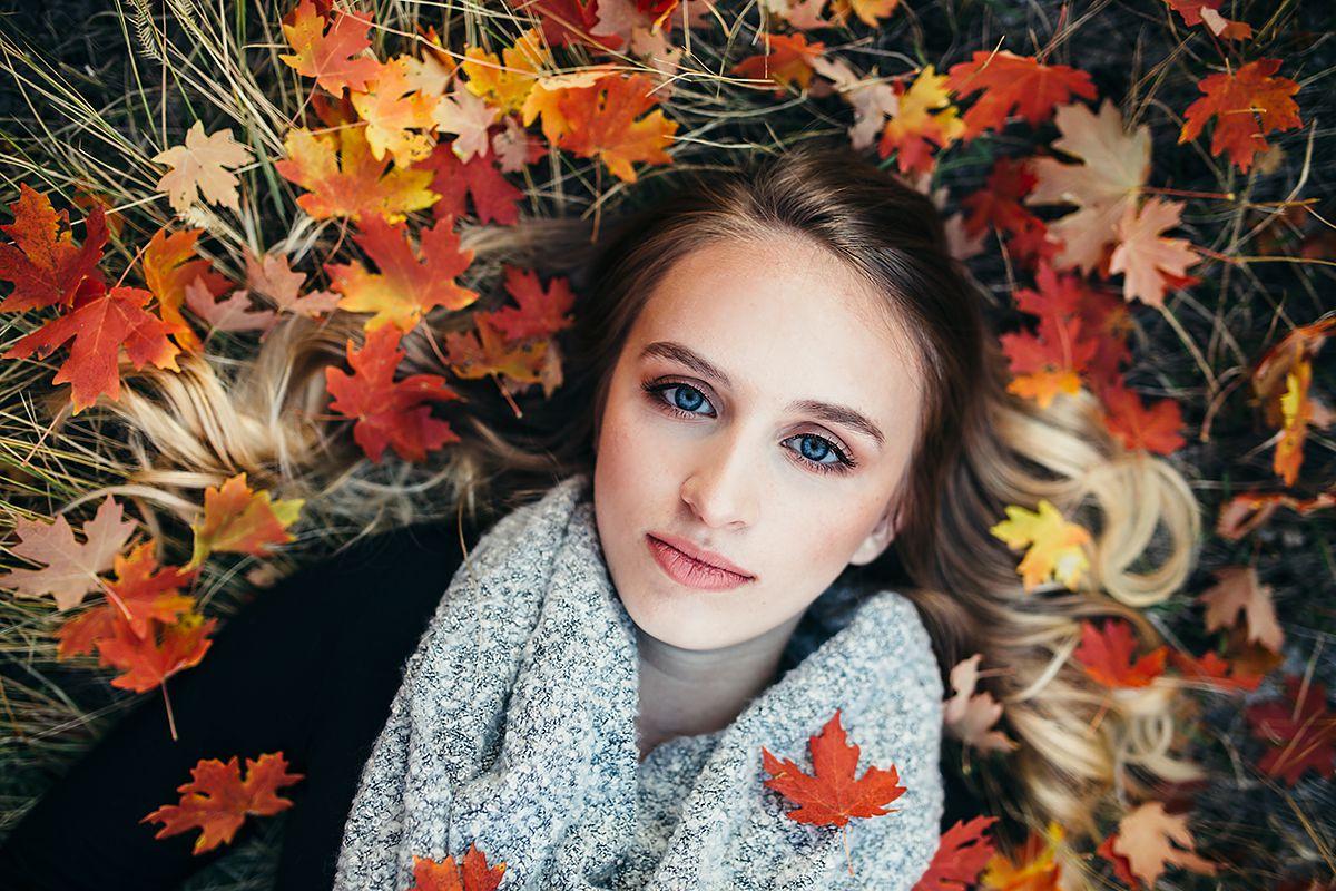 Fall Leaves Senior Girl-0567.jpg