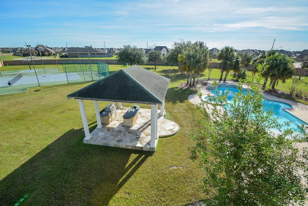 4227 Graham Heights Tennis Court and Pool.jpg