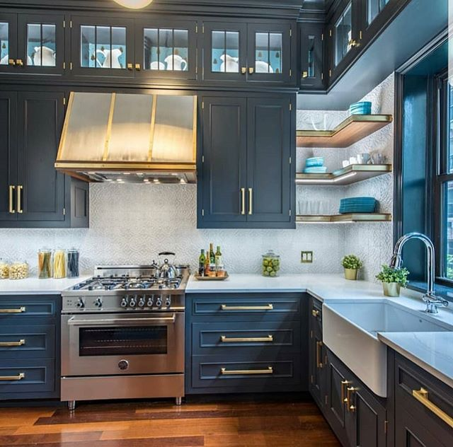 Who wouldn't love to open a bottle of wine and cook in this kitchen... The colors and appliances are a match made in heaven. You can have homes, kitchens, etc. like this one, and much much more!! Go to my bio page for contact info... #inspiremehomedecor #bertazzoniitalia #remaxgrand #remaxgrandlll #theblvddotinfo #realestate #kenreynolds