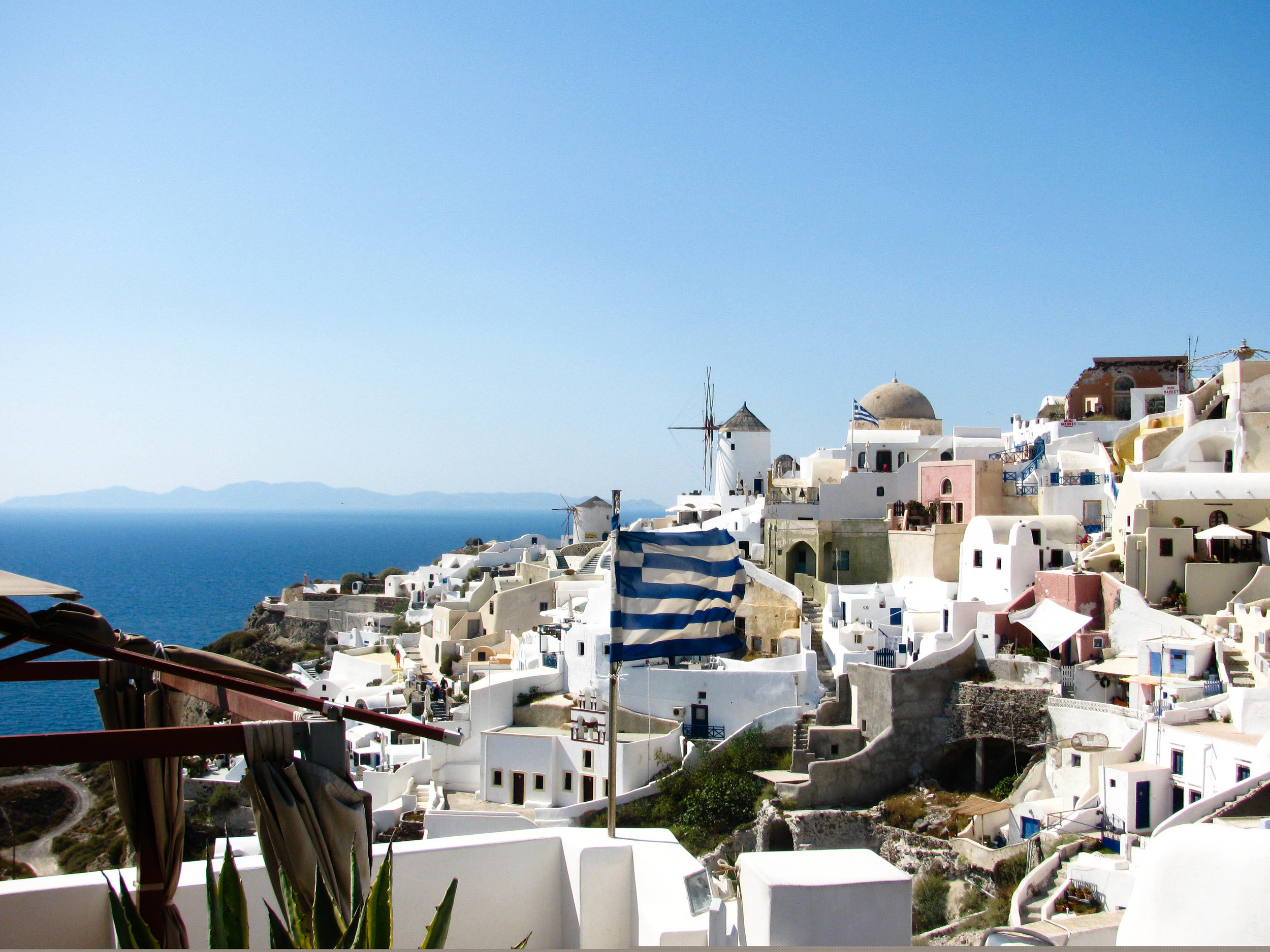 5 Reasons Why You Should Go to Santorini
