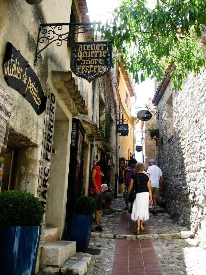 Eze-France-Cobblestones