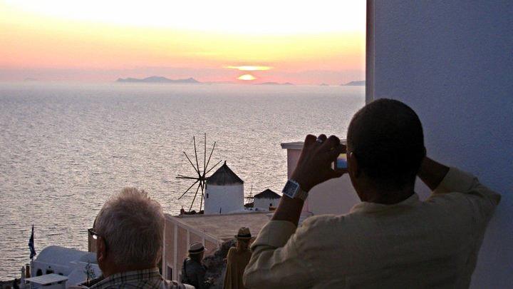 Santorini-Sunset-Oia.jpg