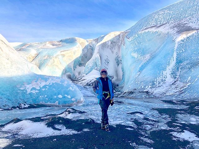 On the blog - Tips on staying safe while traveling solo as a female (link in bio). Side note - being inside the crevasse of a glacier is pretty darn cool 😀🇮🇸