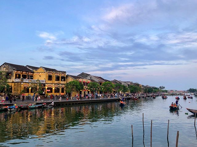 River life in the beautiful town of Hoi An, Vietnam 🇻🇳😍
