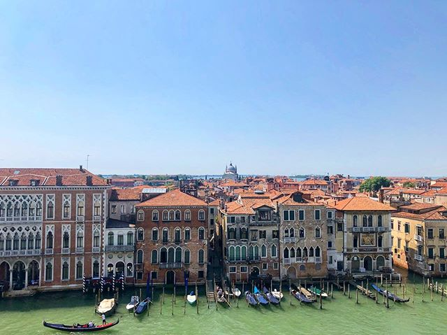 When work and play combine in the best way possible 😀 Ciao, Venezia! 🇮🇹 #views #bleisuretravel