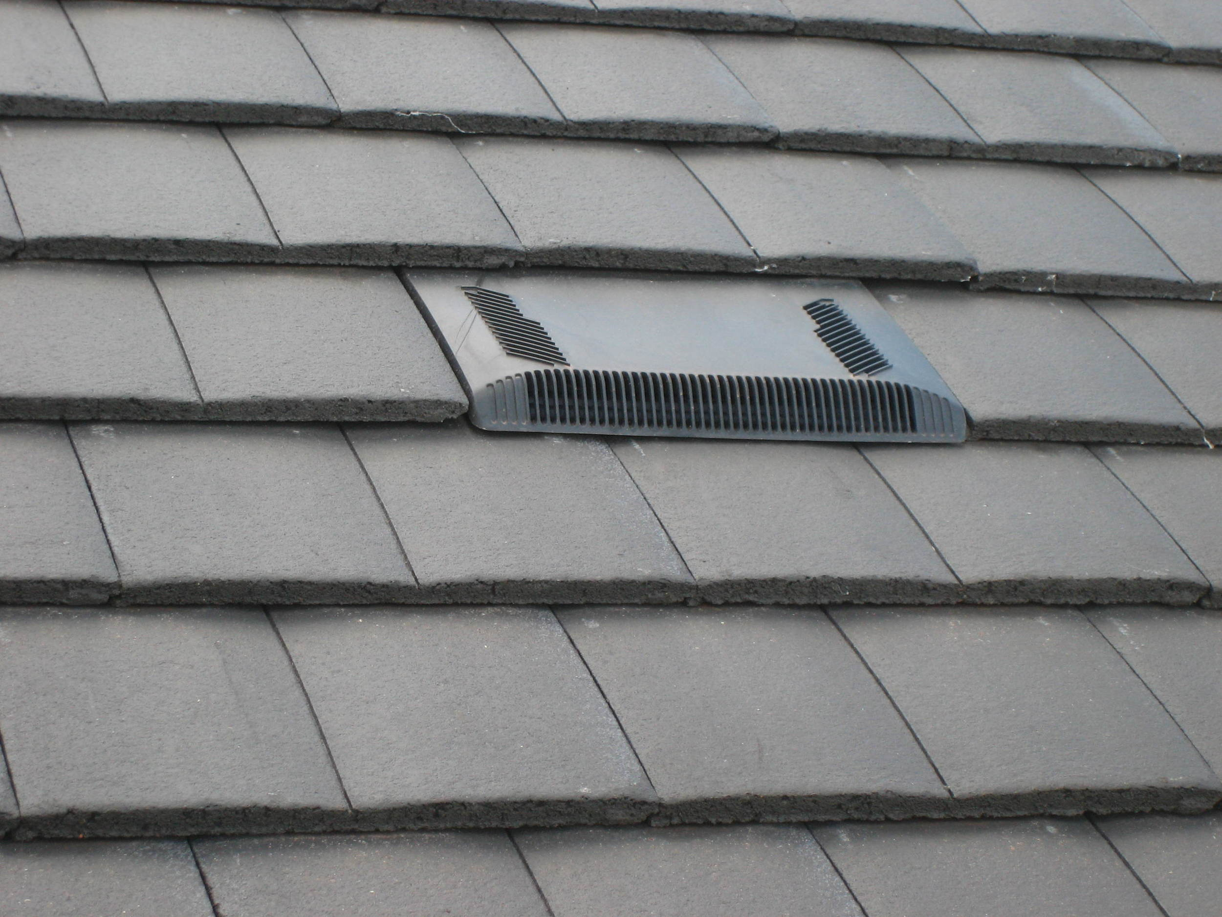 Air tile - roof ventilation.JPG