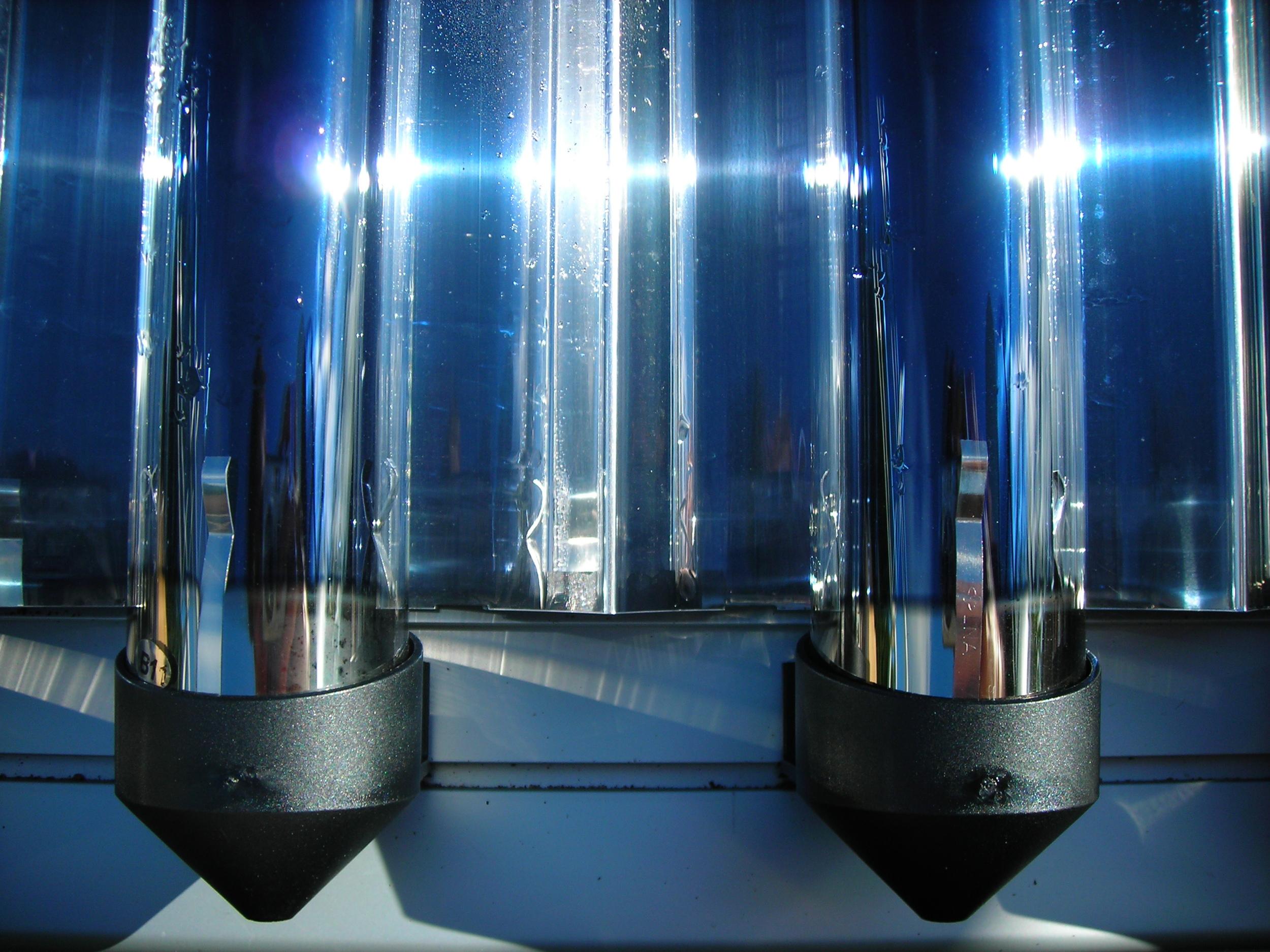 Evac Tube Solar Thermal 3.JPG
