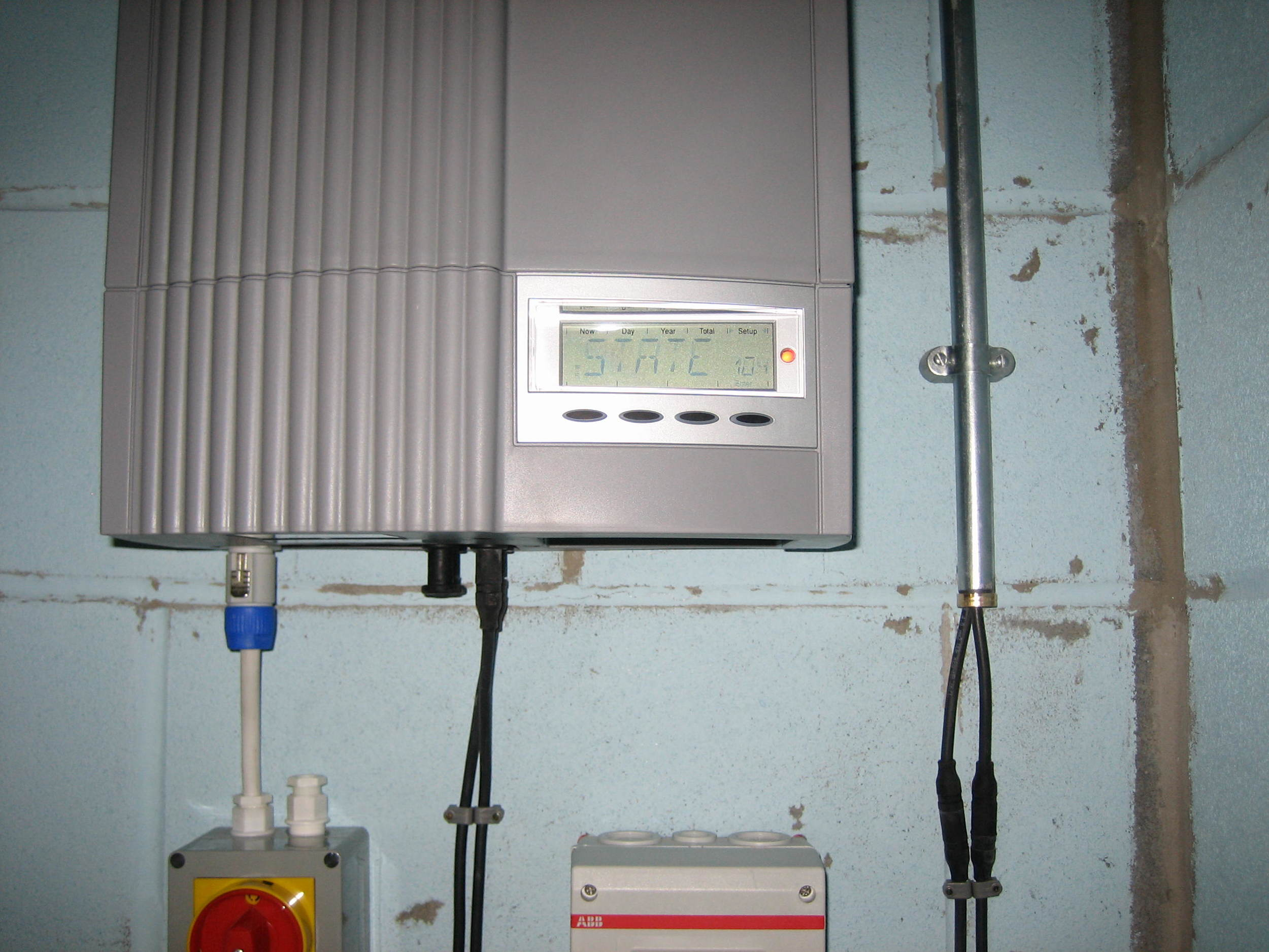 Fronius Inverter - standard LCD display and controls.JPG
