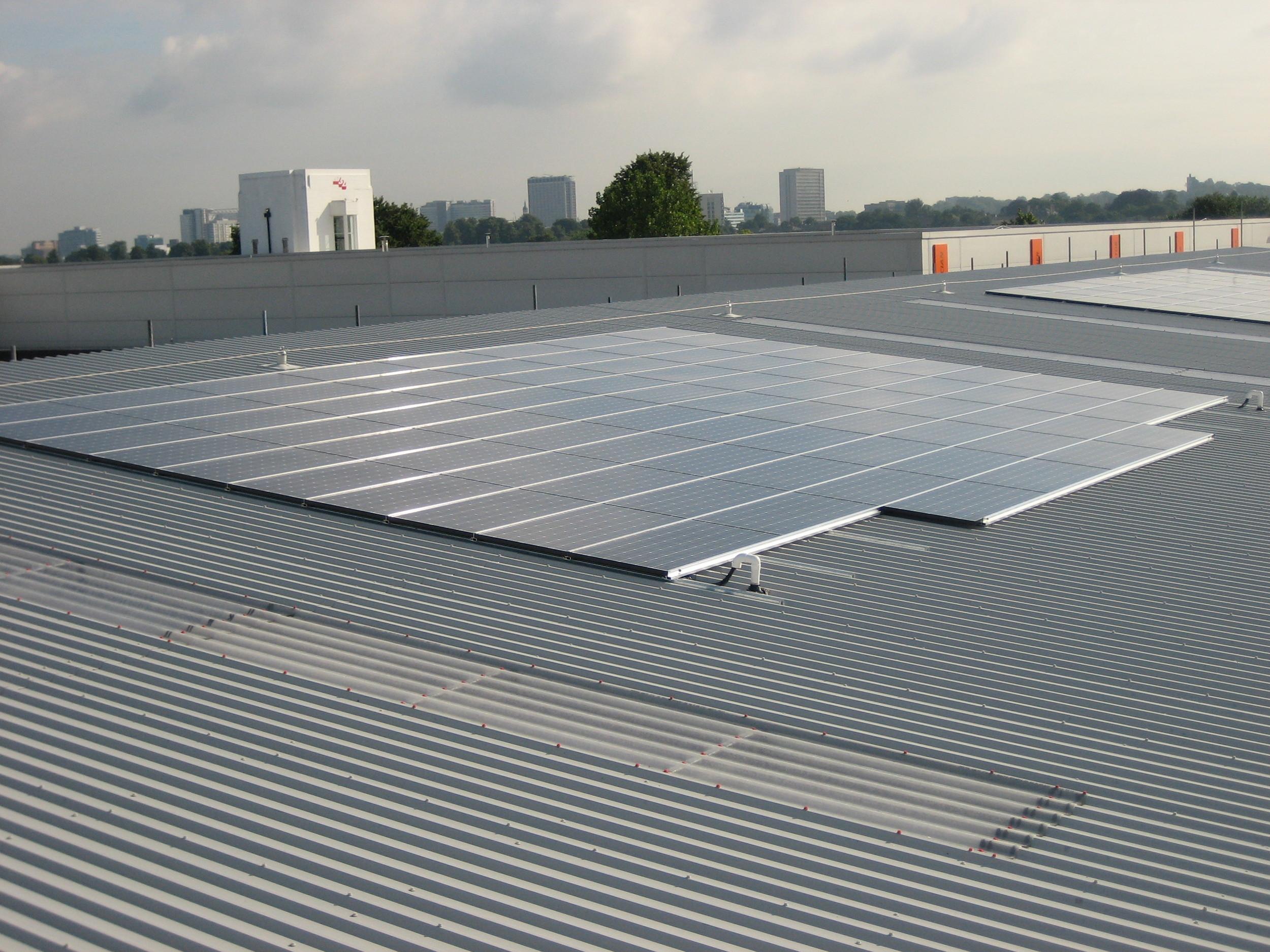 PV Roof mounted array, Sanyo Modules - Croydon.JPG
