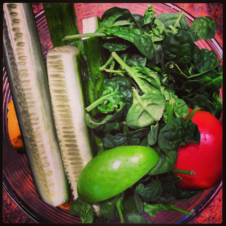 spinach cucumber apple juice 2.JPG