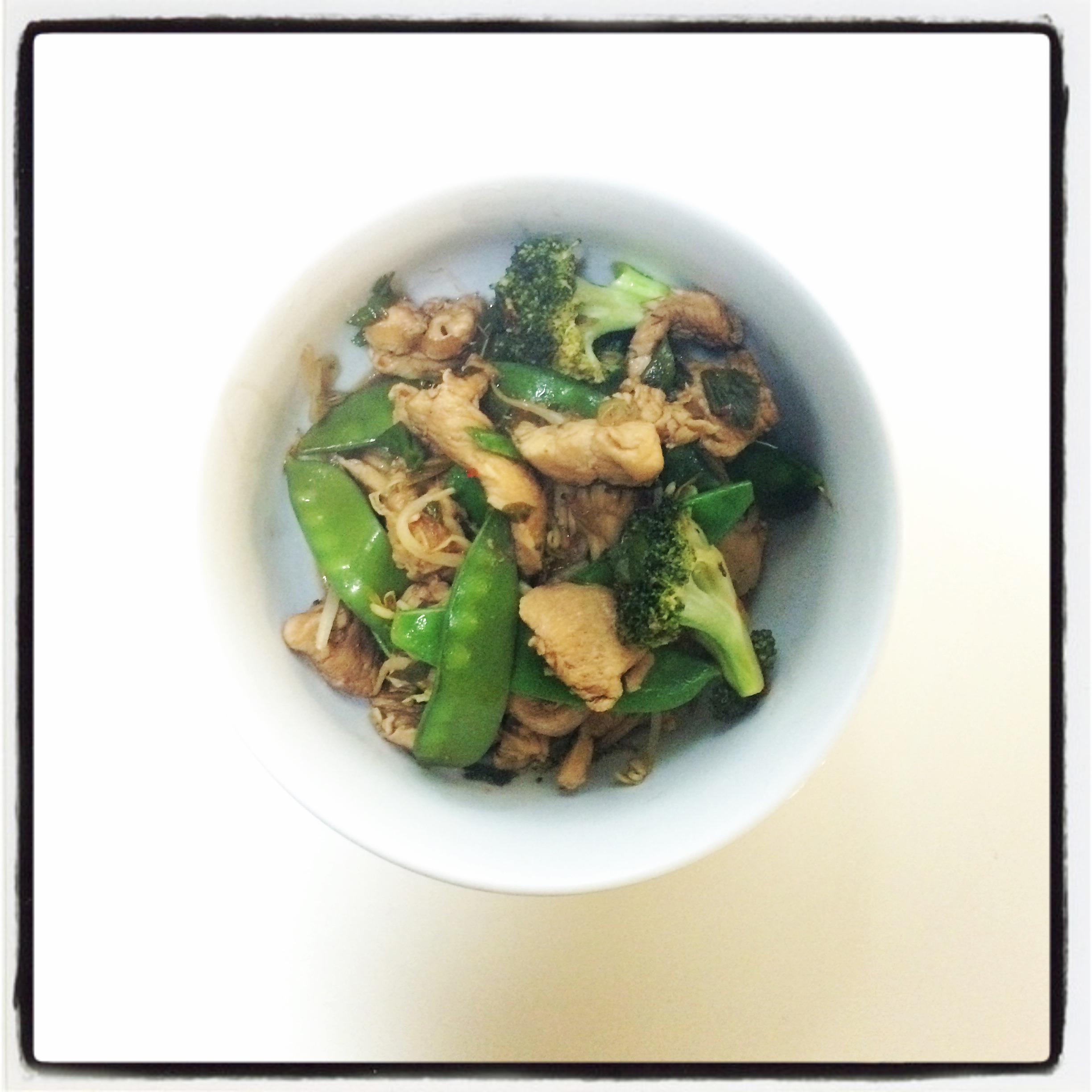 CHICKEN STIR FRY WITH SPROUTS, BROCCOLI, AND SNAP PEAS