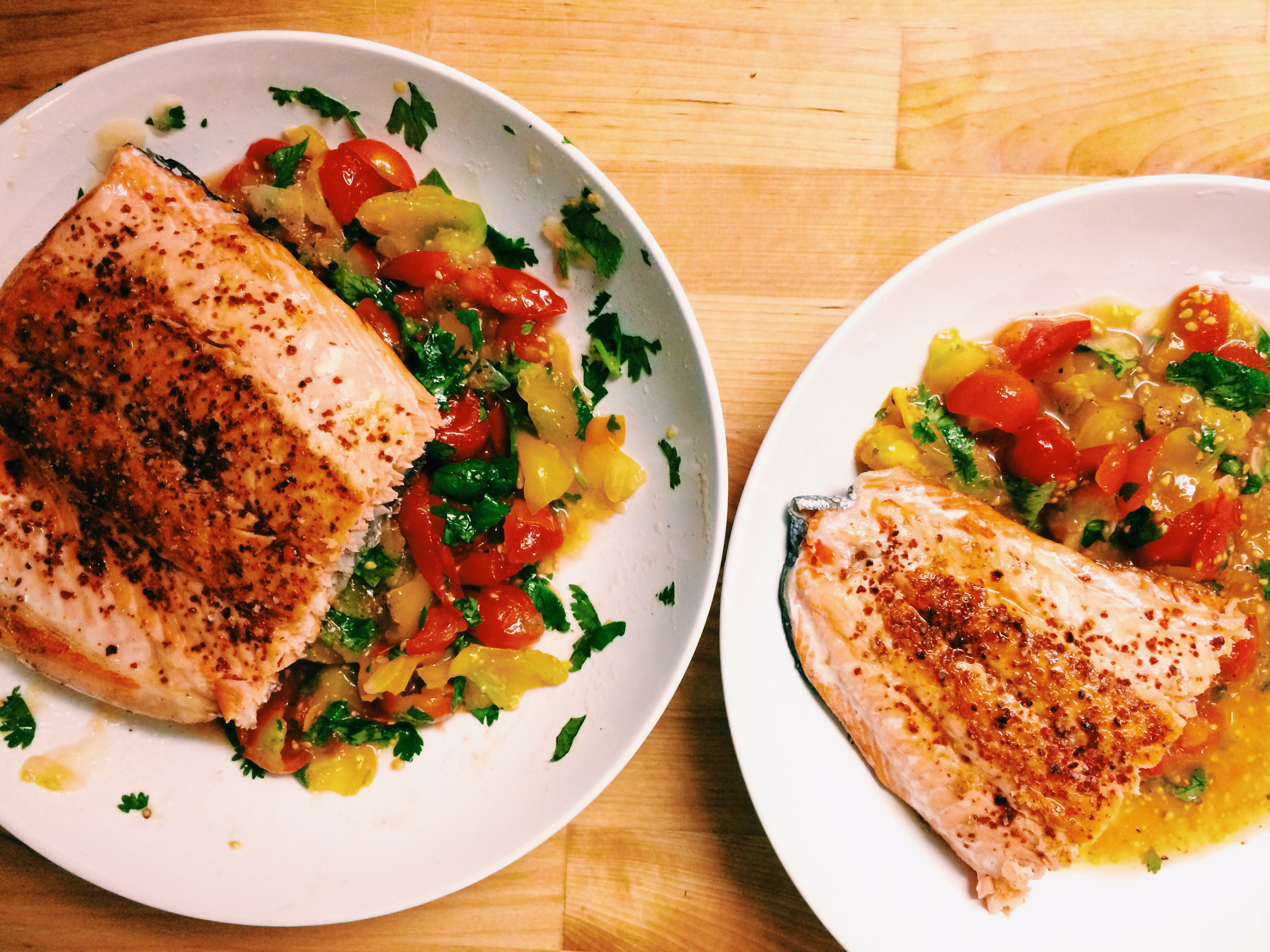 SALMON WITH FRESH TOMATOES
