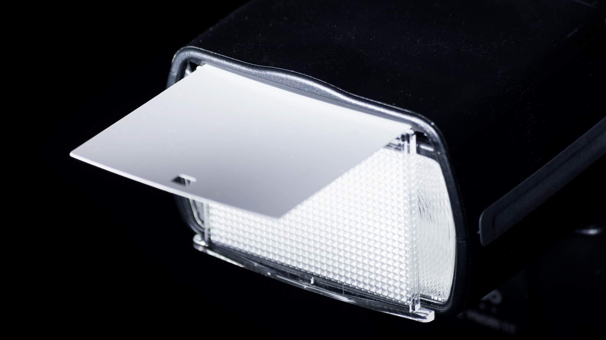 Bouncer's special: the wide angle diffuser working in conjunction with a built in bounce card.